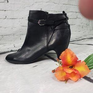 Sam Edelman Black Leather Maddox bootie Size 9
